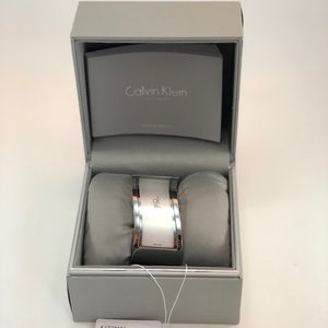 Calvin Klein Women's Silver Quartz Watch K1T24101